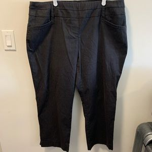 Penningtons Savvy Fit dark gray Capri Pants 20p
